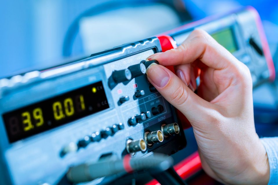 Understanding the Differences Between Non-accredited and Accredited Calibrations